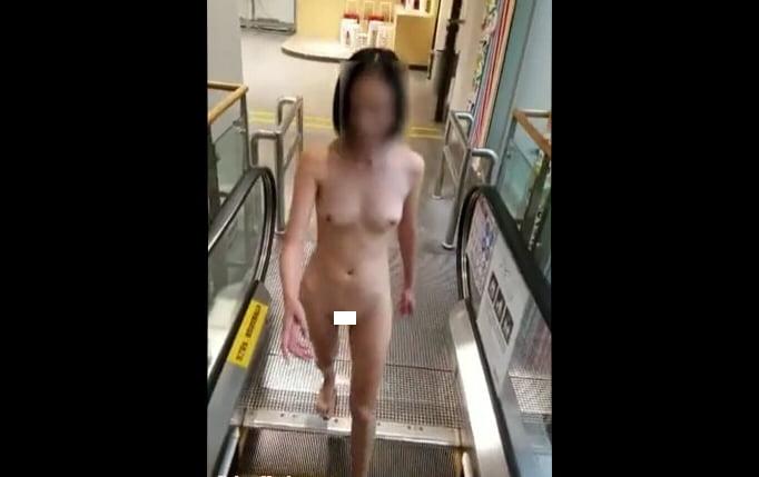 北京天使DensTinon Ariel デパート駐車場で露出し全裸で入店 動画