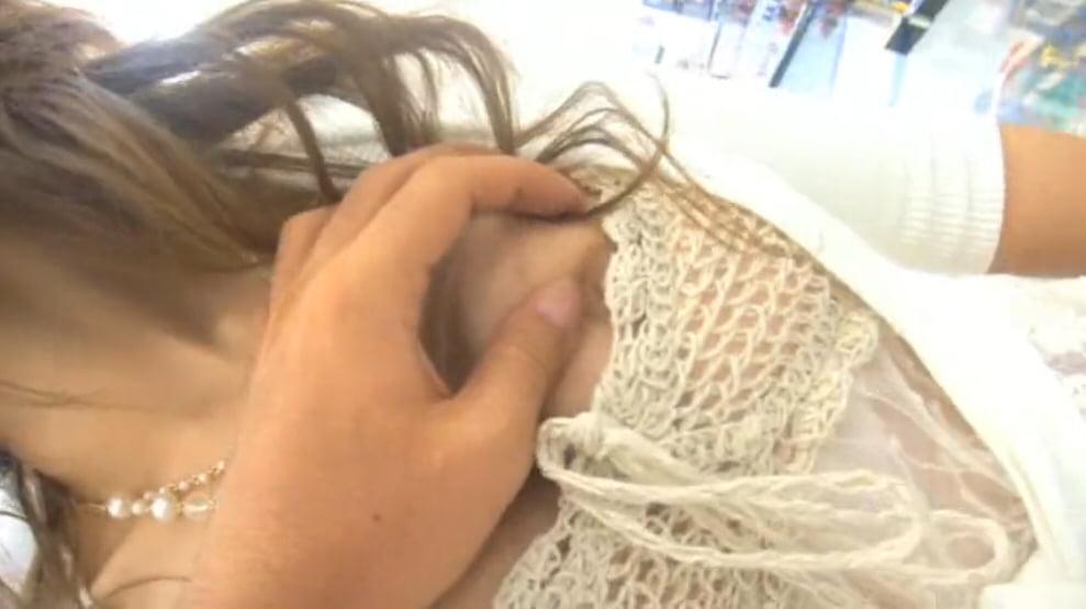 個人撮影 ミニスカひらり まおみん ノーパンノーブラ透け衣装でデパート内を露出散策② 動画