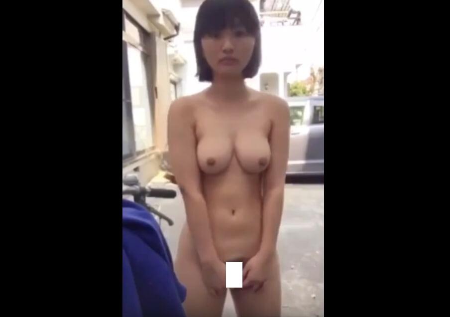 個人撮影 あどけなさ残る女の子が自撮り全裸露出撮影