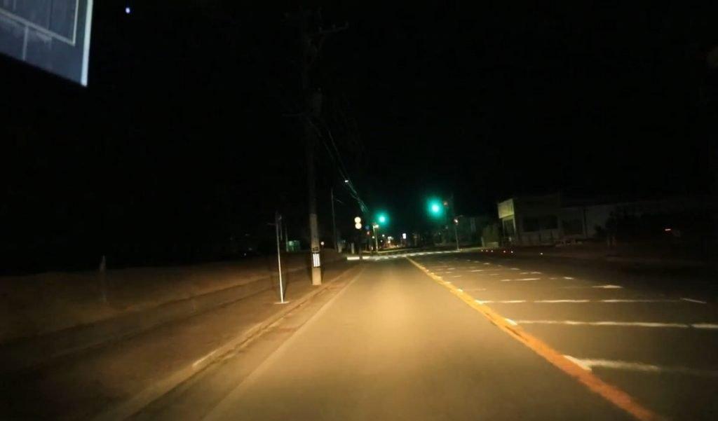個人撮影 ちひろの散歩 「迎えに行くから全裸で待っててねw」夜の駐車場で一人全裸待機させる羞恥露出プレイ 動画